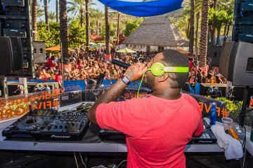 Dive Day Club w T-Pain at Harrah's Resort So Cal